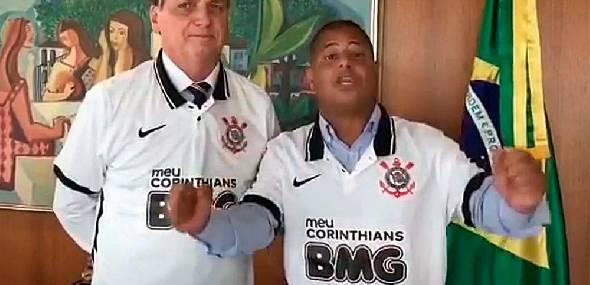 Bolsonaro busca se colar ao Corinthians, mas clube e patrocinador reagem