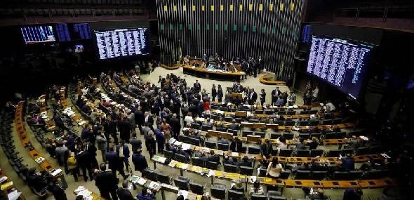 Com derrota para o governo, Câmara aprova novo Fundeb