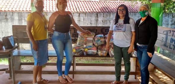 CRAS Miritituba faz entrega de cestas alimento na comunidade de Campo Verde, km 30
