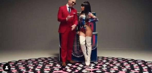 Ex-Pussycat Dolls, Chesca se une a Pitbull em versão de clássico de Frankie Valli