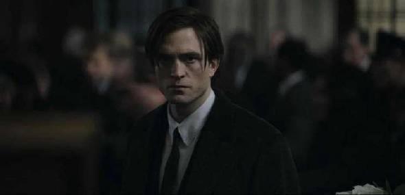 Filmagens de 'The Batman' paralisa após Robert Pattinson testar positivo para Covid-19