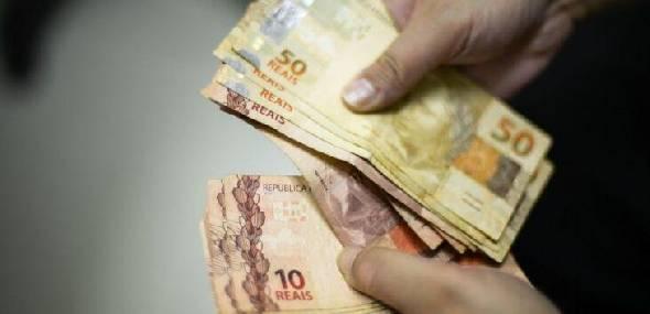 Governo federal quer oferecer microcrédito de até R$ 1 mil para quem já recebe Bolsa Família