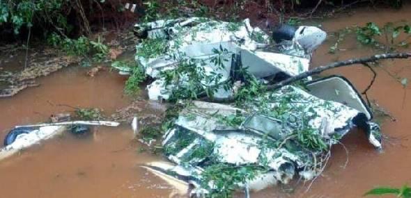 Imagens fortes! Queda de avião mata 4 pessoas no interior paranaense; veja o vídeo!