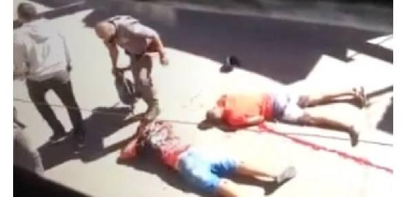 PMs atiram em jovem negro com deficiência intelectual e pisam na cabeça de seu amigo