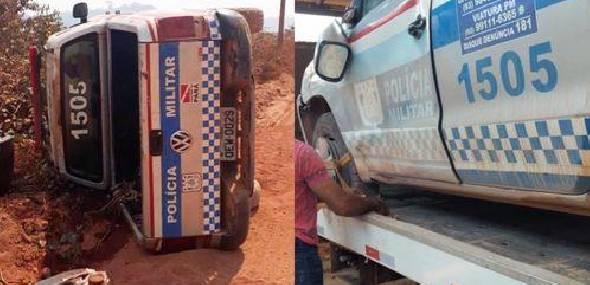 Pneus estouram e viatura da PM tomba em via na região garimpeira de Itaituba