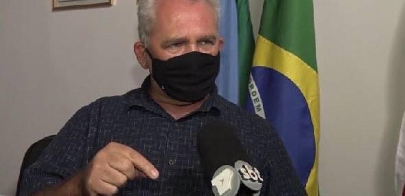 """"""" Se alguém tiver na rua sem máscara, a polícia vai tomar providência"""", anuncia Valmir"""